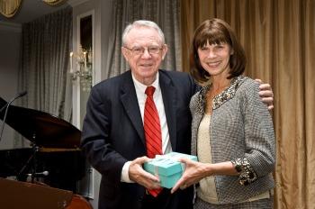 Carol Tamminga Receiving Lieber Prize